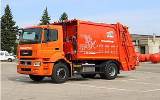 Разработана и запущена в серийное производство новая модель мусоровоза с задней загрузкой на базе